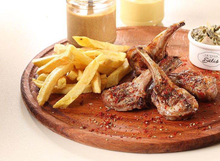 شرائح لحم خروف بيرزولا